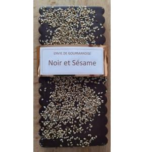 Tablette au chocolat noir et graines de sésame